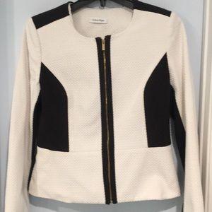 White black jacket Calvin Klein Size 6